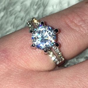 Beautiful Bling Crystal Rhinestone Ring
